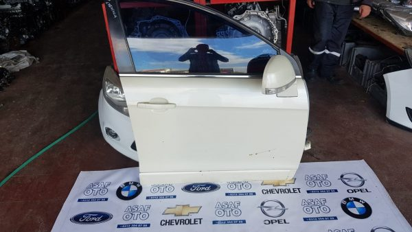 Chevrolet Captiva Çıkma sağ ön kapı
